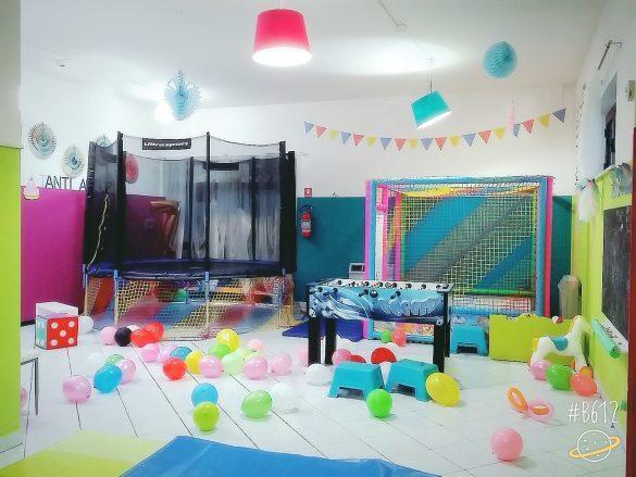 Fiestamania trampolino e struttura con palline - Locale per feste Teramo