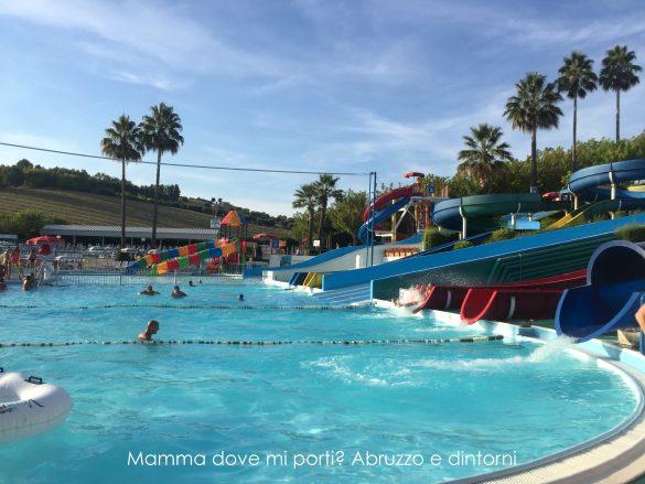 Scivoli Aquapark Onda Blu Tortoreto (Te)