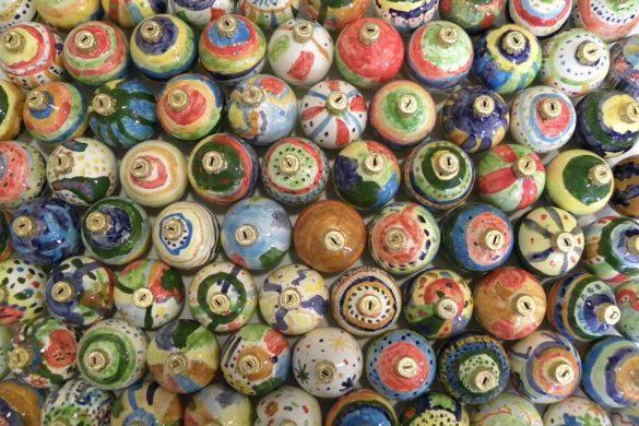Dipingi-la-tua-pallina-di-Natale-in-ceramica-Vasto-Chieti