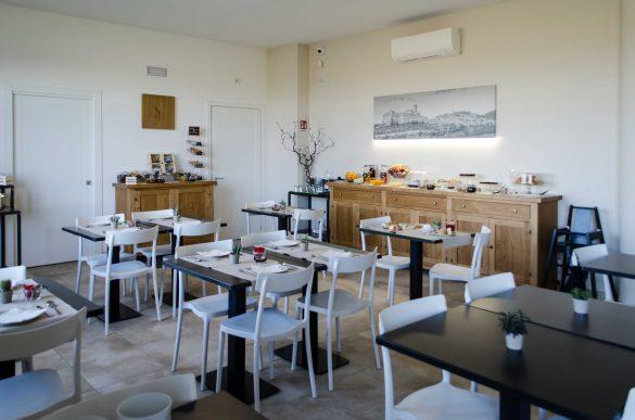 Assisium-agriturismo-sala-colazione