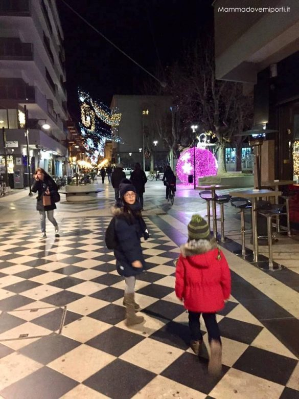 Luci d'artista Luminarie Pescara Natale 2017 - Via Cesare Battisti