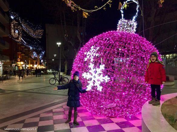 Luci d'artista Luminarie Pescara Natale 2017 - Piazza del Mercato