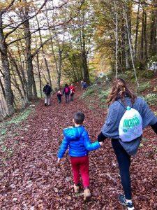 Di ritorno dall'escursione sul sentiero Rio Arno - Cosa fare con i bambini a Pietracamela
