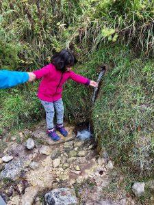 Piccola sorgente acqua - Cosa fare con i bambini a Pietracamela