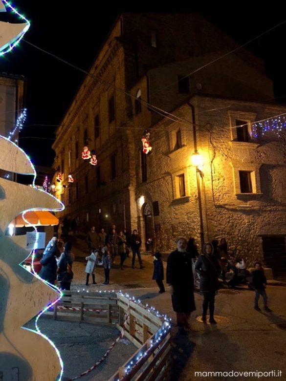 Con il Borgo di Babbo Natale Ripattoni si illumina