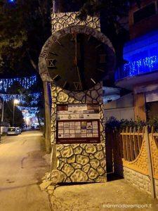 Grande Orologio del Borgo di Babbo Natale a Ripattoni di Bellante