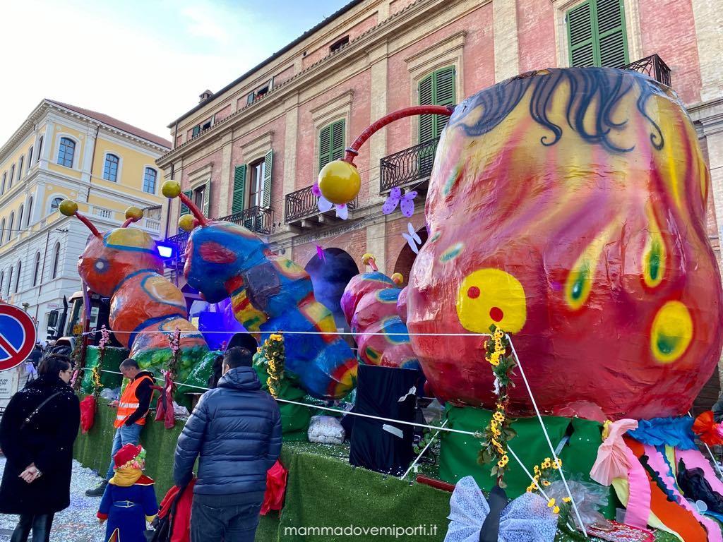 Carnevale Giuliese carro Bruco Mela