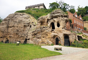 City of Caves a Nottingham con English for Family