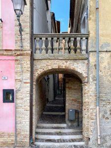 Le vie del borgo di Tortoreto Alto