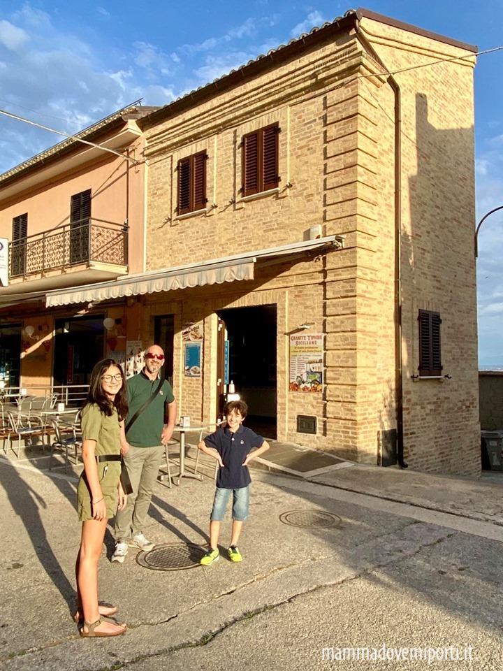 Le vie del borgo di Tortoreto Alto con i bambini