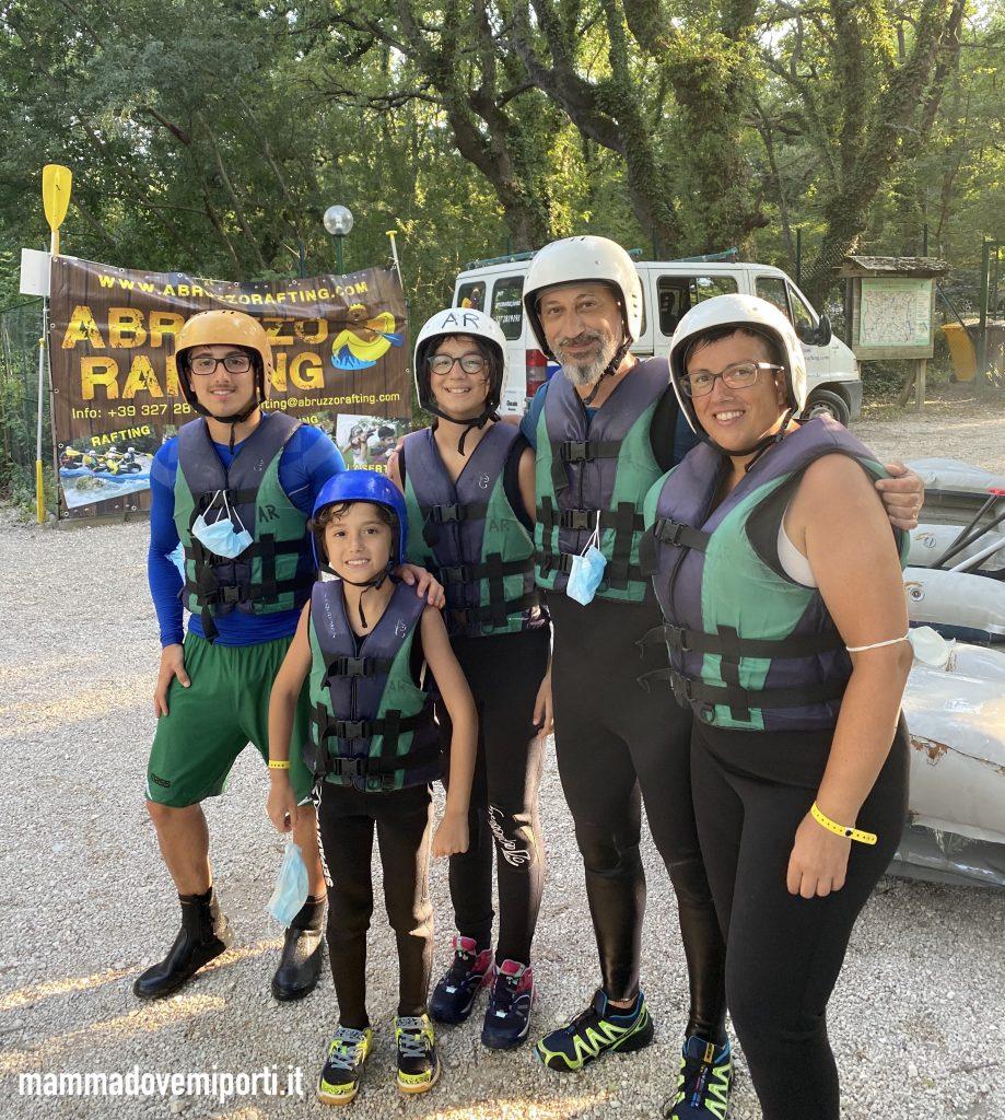 Felici dopo il Rafting per famiglie in Abruzzo