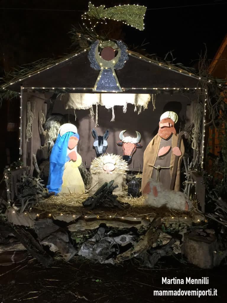 Presepe e Casetta di Babbo Natale a Guzzano di Castellalto