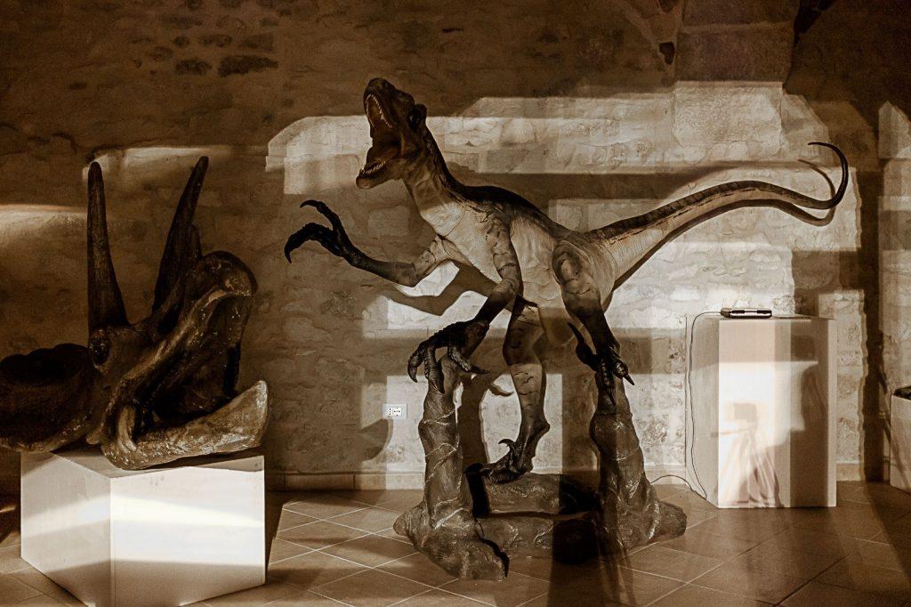 Dinosauri al Museo dei Fossili e delle Ambre a San Valentino in Abruzzo Citeriore